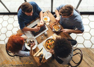 Food restoran Ustanicka